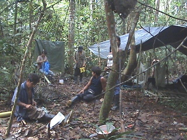 Kamp voor het veldwerk voor het uitzetten van het territorium